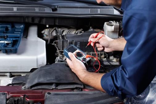 Servicio revisión electrónica coches