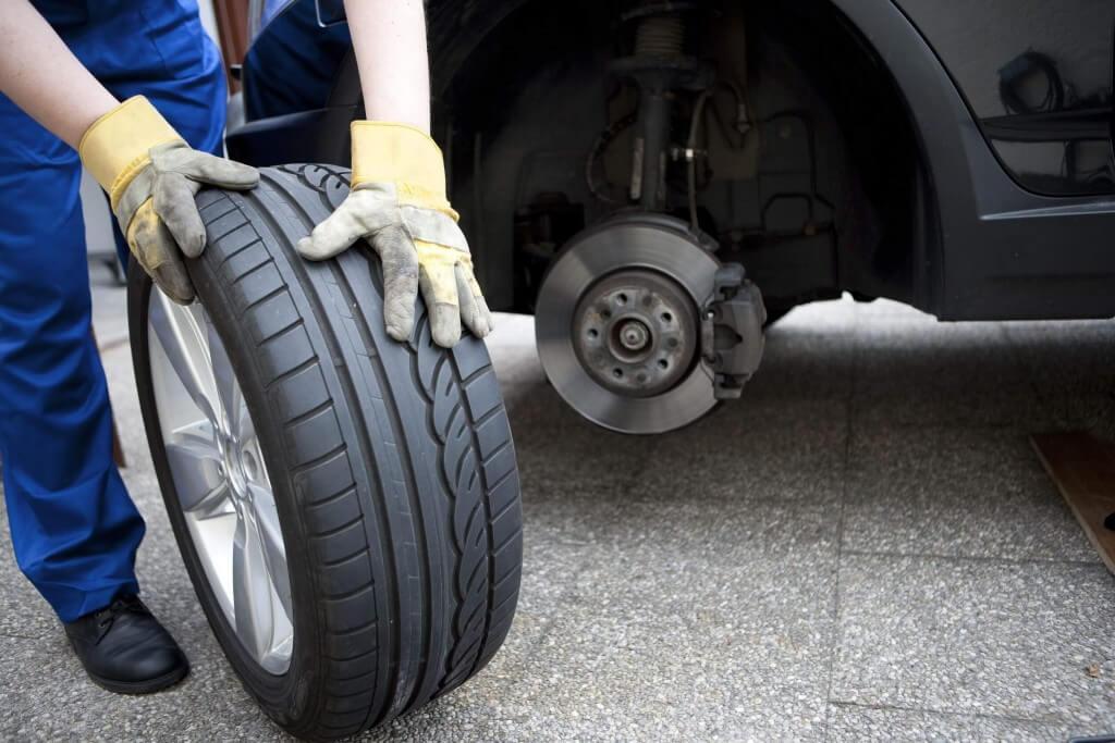 Cambio de neumáticos y llantas